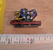 Disney pin Walt Disney World 2000 Celebrate the Future Hand in Hand Mickey Donal