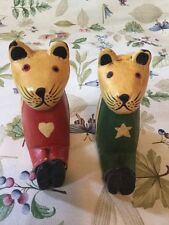 Two Vintage Cat Figurines Papier-Mâché Type Red With Stars & Green With Hearts