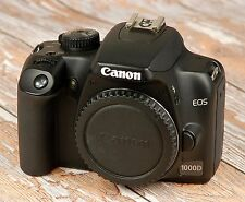 STUNNING CLEAN Canon EOS1000D Digital SLR with charger battery