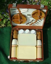 VINTAGE SIRRAM /  BREXTON PICNIC SET HAMPER BROWN  PLASTIC 4 PERSON