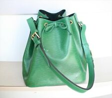 AUTHENTIC LOUIS VUITTON PETIT NOE EPI Green Shoulder bag No.779