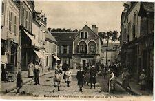 CPA Bonneval-Rue Hérisson et ancienne Maison (177682)