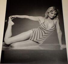 CAROL LYNLEY /  SEXY  8 X 10  B&W  PIN-UP  PHOTO