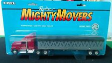 Camion International con Trailer - ERTL Mighty Movers