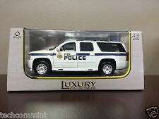 1:43 LUXURY DIECAST FBI CHEVROLET SUBURBAN  W/DISPLAY CASE NIB