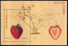 """TIMBRE FRANCE NEUF 2011 """"fête du timbre TIMBRE avec odeur de fraise"""" Y&T 4535"""