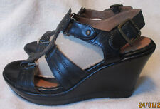 "NICE!  **CLARKS**  *INDIGO*  Black Leather Strappy 3 3/4"" Wedge Heel, S.7.5 M"