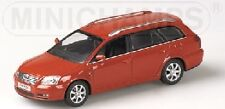 Toyota Avensis Station Wagon 2002 Red 1:43 Model MINICHAMPS