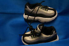 Nike Baby Maxair Size 5C Black and White Sport Shoes