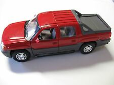 WELLY 1:24 SCALE 2002 CHEVROLET AVALANCHE DIECAST TRUCK MODEL W/O BOX