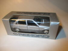 OPEL record e2 limousine saloon 1982-1986 argent silver metallic Gama 1:43 Dealer