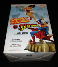 WONDER WOMAN VS SUPERMAN MINI PORCELIAN STATUE DC DIRECT LIMITED EDITION & BOX