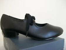 Tappers and Pointers Black low heel tap shoes and legwarmers size 4.5 UK