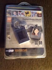"INNOVAGE* DIGITAL PHOTO ALBUM with Keychain-60 IMAGES 1.4"" SCREEN"
