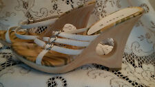 CesarE - White Wedges with Circle Cut Out