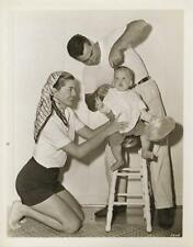 ESTHER WILLIAMS-ORIGINAL PHOTO-CANDID-WITH FAMILY-LEGGY!