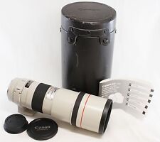 Near mint Canon EF 300mm f/4 L USM Lens w/ Case Made In Japan