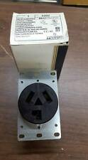LEVITON #5207 3 POLE 3 WIRE POWER OUTLET   W156