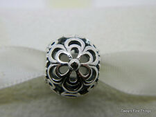 NEW! AUTHENTIC PANDORA CHARM PICKING DAISIES #790965