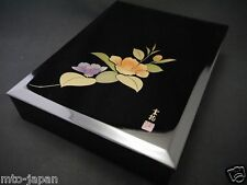 """JAPANESE TRADITIONAL LACQUER WOODEN BOX WITH DESIGN IN MAKIE. """"SASANQUA""""(11-4)"""