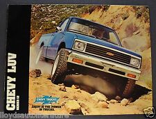 1982 Chevrolet LUV Pickup Truck Brochure 4x4 Excellent Original 82