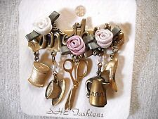 NOC SHE FASHIONS ANTIQUED GOLD TONE METAL/FABRIC FLOWER CHARM BROOCH FOR MOTHER