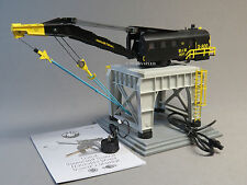 LIONEL MOW COMMAND CONTROLLED TRACKSIDE CRANE O GAUGE train gantry 6-82033 NEW
