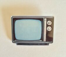 Retro 60 70 80s Geek TV Television Funky Old School quirky kitsch  Brooch Pin