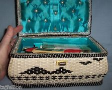 WOVEN Olive &Cream RAFFIA SEWING BASKET Full of VGT Notions, incl PINKING SHEARS