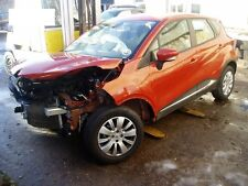 Renault Captur breaking for spares parts wing mirror