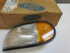 NEW OEM 1993 - 1995 Mercury Villager / Nissan Quest turn signal light  assembly