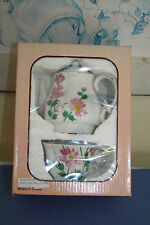 NIB NEW - Tea for One Porcelain Service Teapot and Tea Cup Pink Daisy Flowers