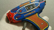 VINTAGE SPACE GUN TIN TOY FRICTION JAPAN ASTRORAY COSMONAUT PISTOL ORIGINAL