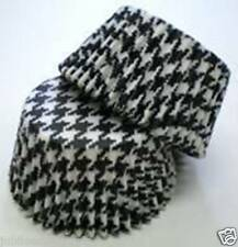 BLACK HOUNDSTOOTH DESIGN CUPCAKE LINERS 50 CT STD