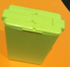 Tupperware Set of Mini Salt & Pepper Shakers great for lunches Green NEW