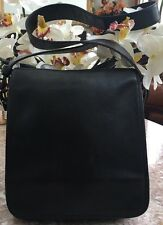 Coach Classic Black Leather Messenger Cross Body Bag Purse 9335 EUC.