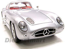 "MAISTO 1:18 MERCEDES BENZ 300 SLR COUPE ""UHLENHAUT"" SILVER DIECAST MODEL CAR"