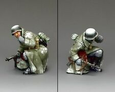 """KING AND COUNTRY  WW11 BATTLE BULGE """"Kneeling Winter Officer"""" BBG090 MILITARY"""