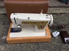 Singer 237 Zigzag Straight Stitch Heavy Duty Electric Sewing Machine working