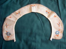 * VINTAGE COLLAR - CREAM COTTON - HAND EMBROIDERY IN BLUE & RUST - ART DECO [HH]