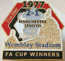 MANCHESTER UNITED v LIVERPOOL Victory Pins 1977 FA CUP Badge Danbury Mint