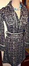 BCBG MAXAZRIA BLACK AND WHITE KNIT SHIRT DRESS, BELTED, SIZE XS