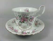 ROYAL ALBERT LAVENDER ROSE TEA CUP AND SAUCER 1ST QUALITY (PERFECT)
