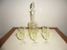 service à liqueur en cristal taillé coloré  , gravé