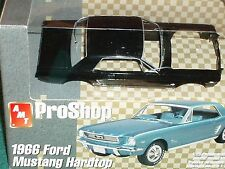 AMT PRO SHOP 1966 FORD MUSTANG COUPE 1/25 PREPAINTED PLASTIC MODEL KIT