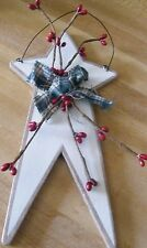Country Primitive Wood White Star Pip Berries Plaque Sign Rustic Decor