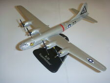 atlas Editions 1:144 scale WWII B-29 Superfortress BOMBERS DIECAST Model