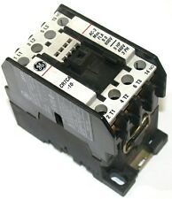 UP TO 3 GENERAL ELECTRIC 115VCOIL 25AMP 3POLE W/1NO AUXILIARY CONTACTORS CR7CA