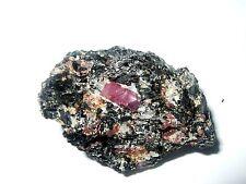 - Minerali Grezzi Cristalloterapia - RUBINO su BIOTITE (30)