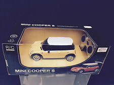 Mini Cooper S - Quality 1:24 Radio-Control car - Yellow - Ideal Christmas gift!